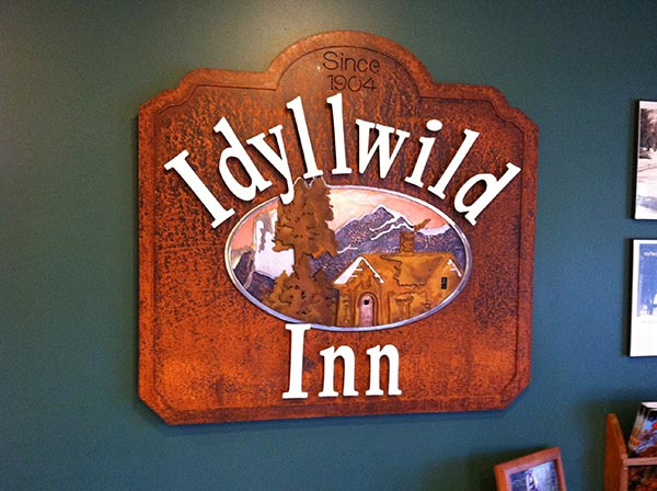 Idyllwild Inn - Rustic Cabins and Suites